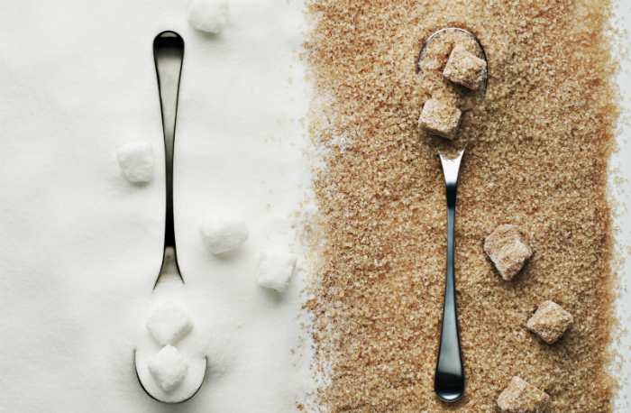 Brown-vs-White-Sugar-1