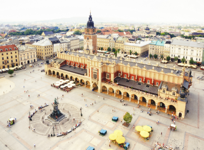 krakow-market-square-cloth-hall
