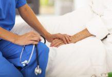 Ιταλίδα νοσηλεύτρια χέρι κορωνοϊός