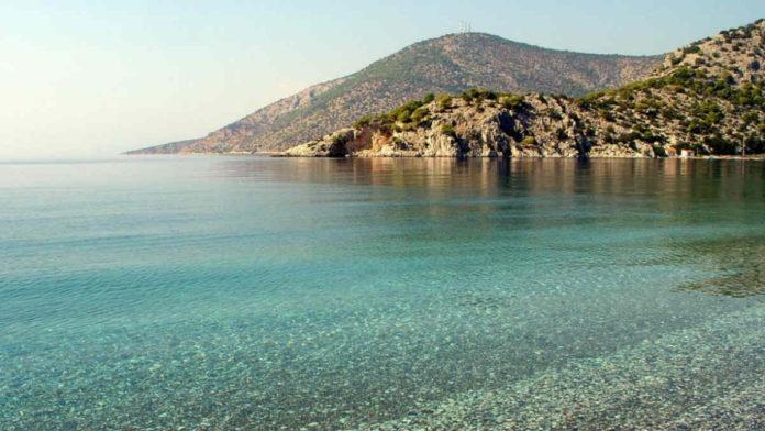 καθαρές παραλίες Αττική