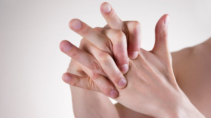 κρακ στα δάχτυλα σημαίνει